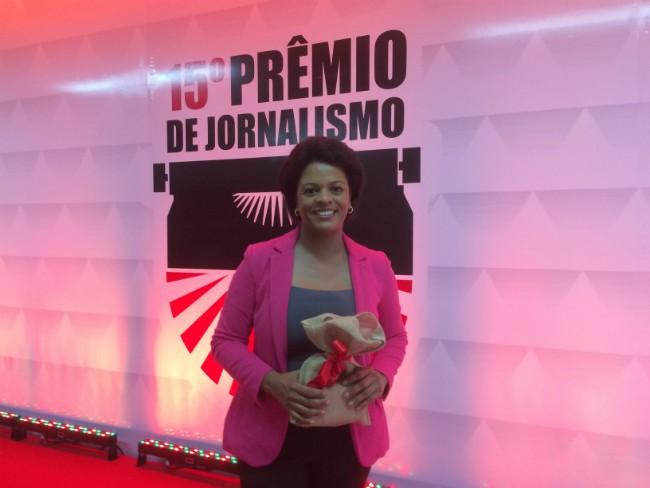Georgina Maynart recebeu o prêmio (Foto: Divulgação)