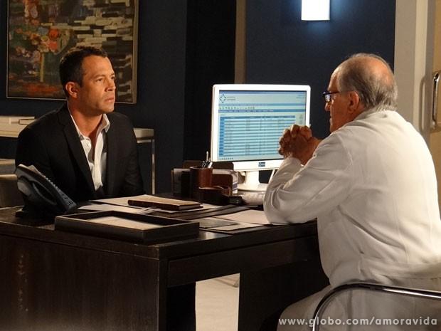 Bruno conta o que lembra sobre o parto de sua primeira mulher (Foto: Amor à Vida/ TV Globo)