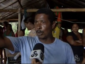 Agricultor José Estrela diz que área invadida facilita escoamento de mercadorias (Foto: Reprodução/TV Amapá)