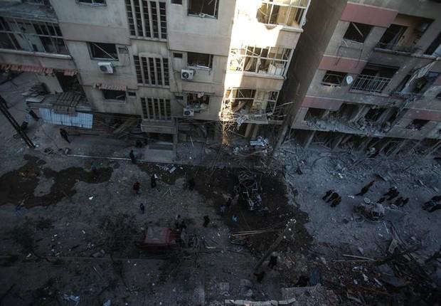 Prédio destruído em  Douma, na Síria. Foto tirada em 7 de abril (Foto: EFE/EPA/Mohammed Badra)