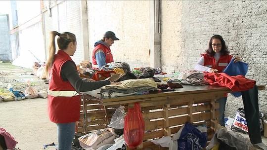 Cidades catarinenses arrecadam agasalhos para doações