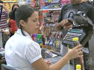 Remuneração para um operador de caixa pode chegar a R$ 1,6 mil  (Foto: Reprodução/Rede Amazônica Acre)
