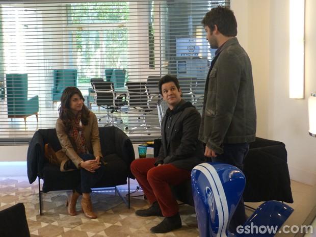Davi fica chocado ao encontrar Manu na sala de Jonas (Foto: Geração Brasil/TV Globo)