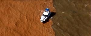 Vento muda de direção e empurra lama para o litoral sul do ES (Marcello Lourenço/ Arquivo Pessoal)