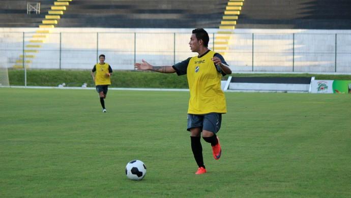 ABC - Alex Ruan, lateral-esquerdo (Foto: Divulgação/ABC)