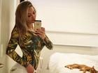 Em rede social, Laura Keller presenteia seguidores com foto sensual