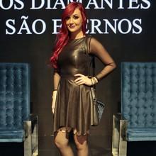 Do microshort rasgado à jaqueta 'dark', Du só causou (Império/ TV Globo)