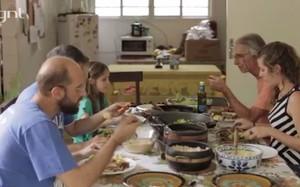 Privilégios da convivência, Família é família, joão jardim, casa john lennon