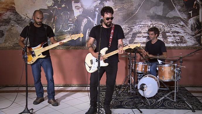 'Levando um Som' com a banda Fogo Corredor  (Foto: TV Sergipe)