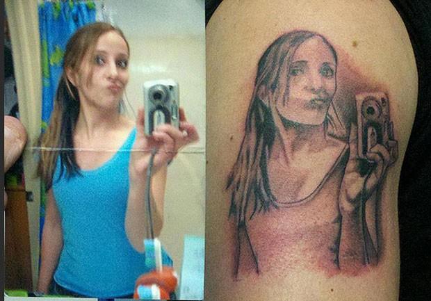 Tatuagem de 'selfie' faz sucesso na internet (Foto: Reprodução/Reddit/PaperkutRob)