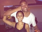 Renata Fontes posta foto divertida com o namorado, Adriano
