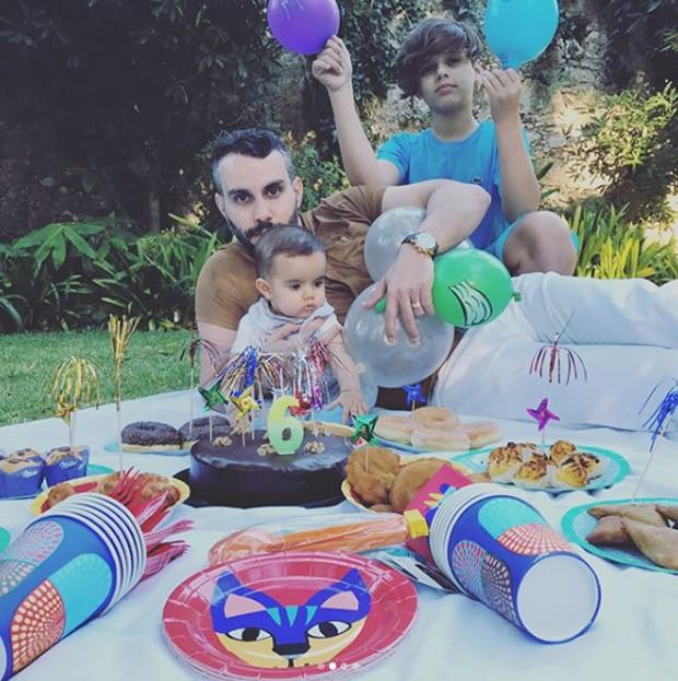 Mico Freitas com os filhos (Foto: Reprodução/Instagram)