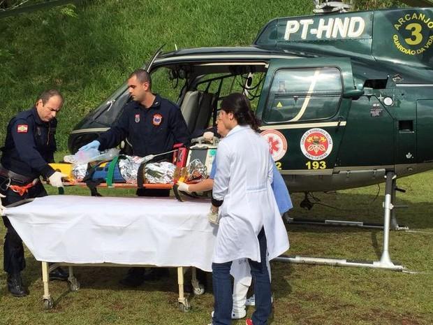Menina foi levada de helicóptero para hospital Joana de Gusmão (Foto: Arcanjo/Divulgação)