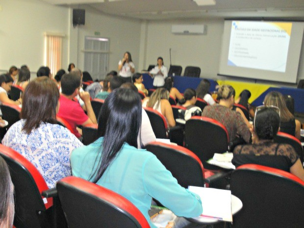 Capacitação é oferecida para 55 enfermeiros do Vale do Juruá (Foto: Adelcimar Carvalho/G1)