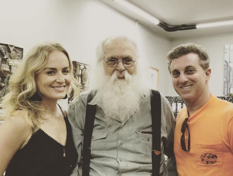 Angélica, Huck e Francisco Brennand (Foto: Reprodução/Instagram)