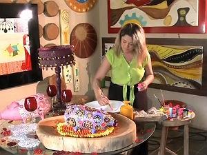 artista faz obras em relevo (Foto: Reprodução/ TV Gazeta)