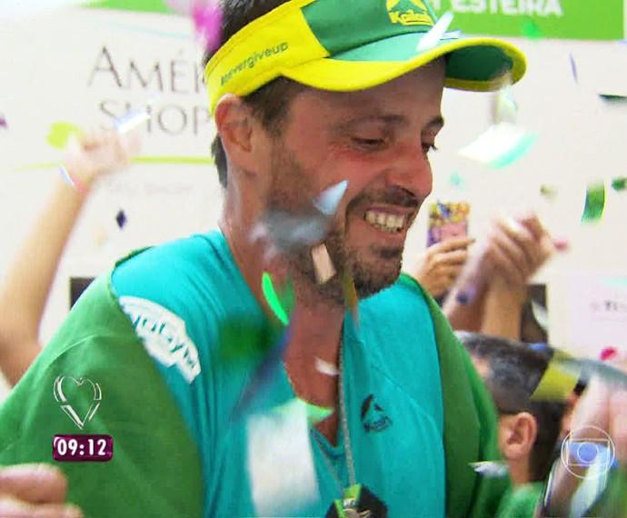 Ultramaratonista bate recorde (Foto: Gshow)