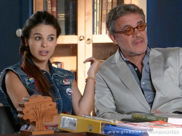 Amaralina fica passada ao descobrir que vai estudar em uma turma de adolescentes (Foto: Flor do Caribe / TV Globo)