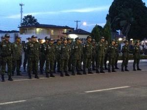 Políciais Militares em solenidade de promoção (Foto: Flávia Dias/G1)