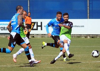 Grêmio x Novo Hamburgo jogo-treino CT Luiz Carvalho (Foto: Giovani Junior/ECNH)
