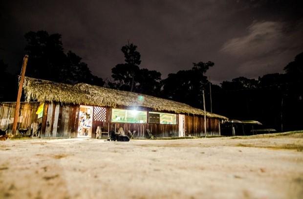 Base da Funai na Terra Indígena Kawahiva do Rio Pardo, no município de Colniza, noroeste do Mato Grosso - campo - índio - conflito - agrário - terra (Foto: Marcelo Camargo/ Agência Brasil)