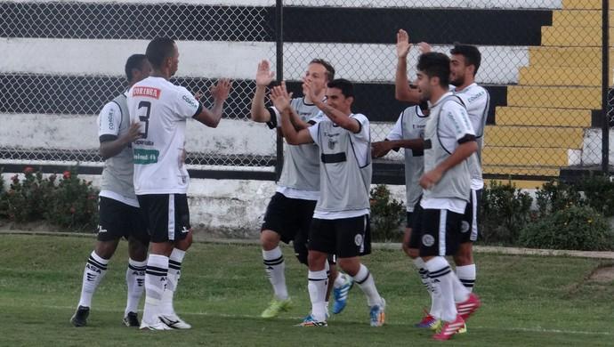 Lucas Bahia comemora gol do ASA (Foto: Leonardo Freire/GloboEsporte.com)