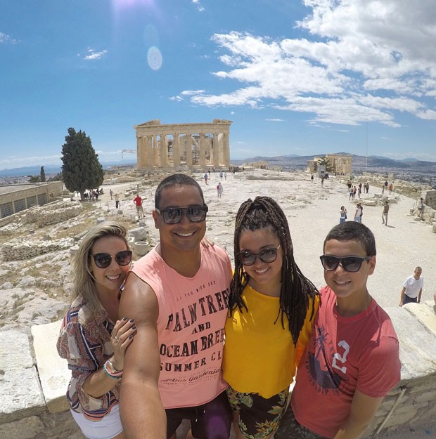 Carla, Xanddy, Camilly e Victor curtem férias na Grécia (Foto: Reprodução Instagram)