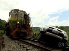 Uma pessoa morre em acidente entre trem e caminhonete na Grande BH