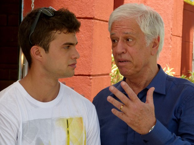 Nuno Leal Maia em ação como Augusto, o pai de Fera (Foto: Malhação / TV Globo)