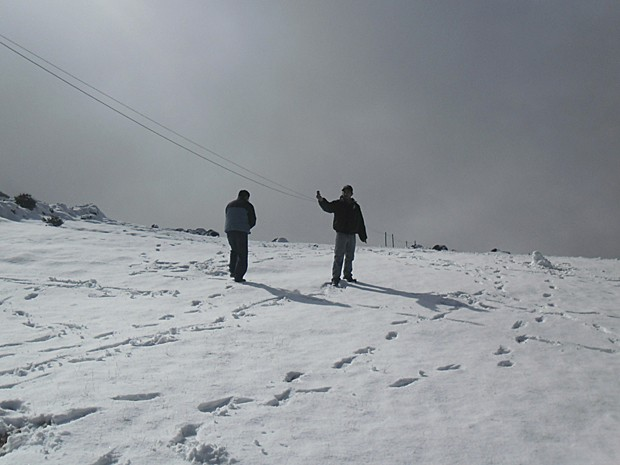 Montanhas da Guatemala ficam cobertas de neve (Foto: HO/INSIVUMEH/AFP)