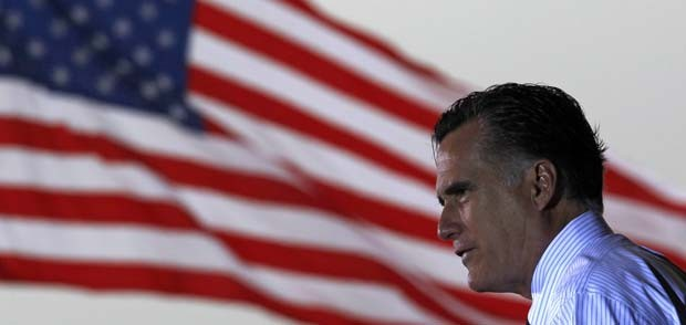 O candidato republicano Mitt Romney discursa nesta segunda-feira (5) em Sanford, no estado da Flórida (Foto: AP)