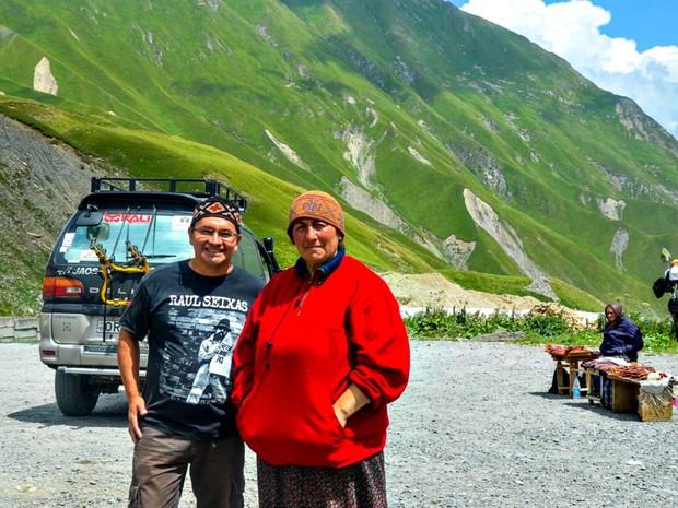 Em uma das recentes viagens feita por Ailton, em Kazbegi, na Georgia (Foto: Arquivo Pessoal)