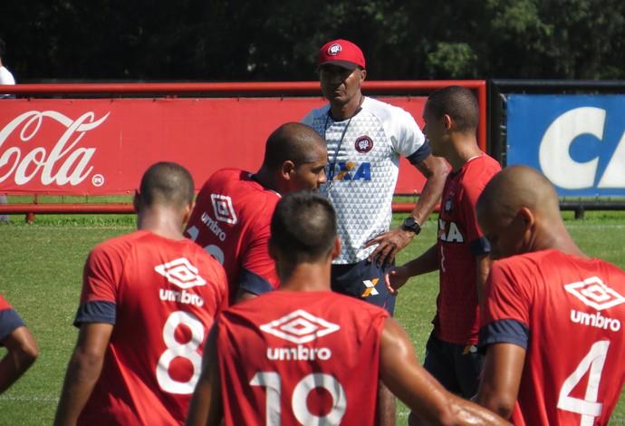 Técnico Cristóvão Borges do Atlético-PR (Foto: Fernando Freire)