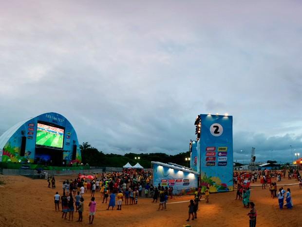 Fifa Fan Fest em Natal foi encerrada com show de Araketu (Foto: Rafael Barbosa/G1)