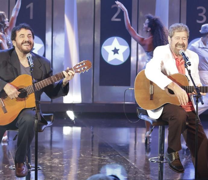 """Antônio Carlos e Jocafi cantam """"Você Abusou"""" no Ding Dong (Foto: Fábio Rocha/Gshow)"""