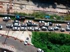 Carreata de taxistas contra o Uber deixa trânsito lento em Salvador