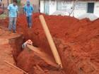 Asfalto cede durante escavação e trabalhador fica ferido em MT