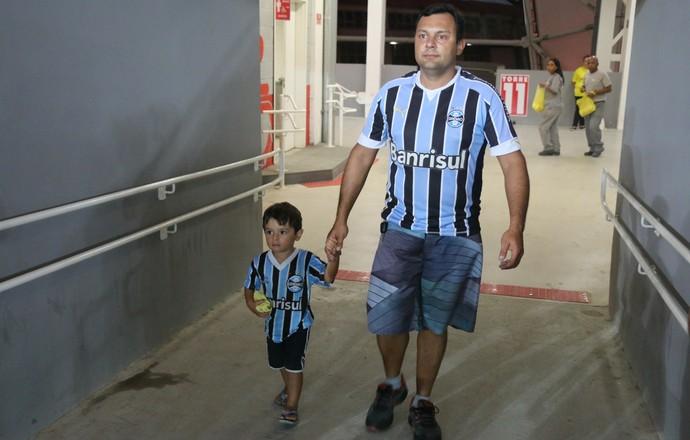 Torcid mista Grêmio Inter Gre-Nal Internacional (Foto: Eduardo Moura/Globoesporte.com)
