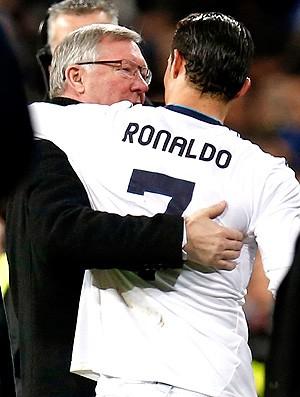 Alex Ferguson e Cristiano Ronaldo na partida do Real Madrid contra o Manchester United (Foto: Reuters)