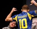 Provocações e empurrões marcam a pesagem do UFC: Mousasi x Latifi