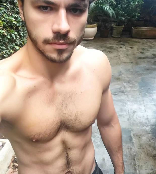 Lucas Montandon costuma exibir sua boa forma nas redes sociais (Foto: Reprodução/Instagram)