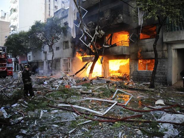 Explosão deixou dois mortos em prédio em Rosário, na Argentina (Foto: Alfredo Gomez/AP)