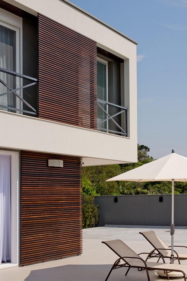 Casa com linhas atemporais em Santa Catarina (Foto: Lio Simas / divulgação)
