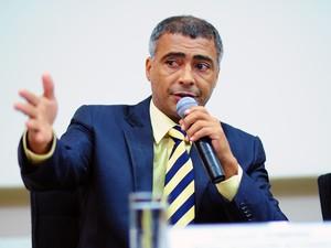O deputado Romário em maio, durante audiência da Comissão de Turismo e Desporto (Foto: Saulo Cruz / Agência Câmara)
