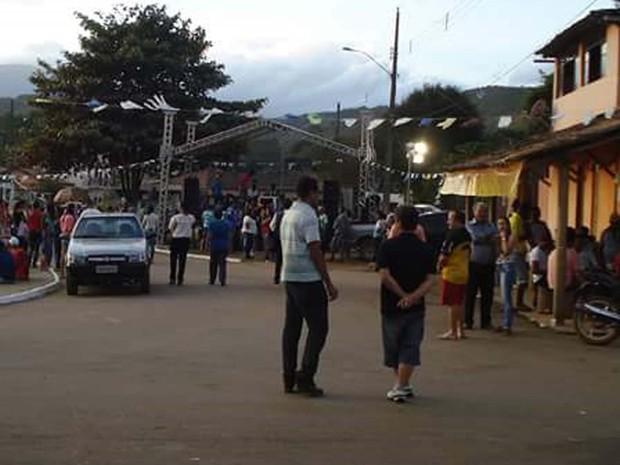 Comunidade reunida na festa de São Bento, em 2013 (Foto: Arquivo pessoal/Mauro da Silva)