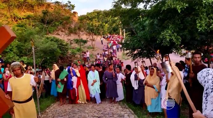 Via Sacra de Monsenhor Gil tem percurso com escadaria de 222 degraus (Foto: Reprodução/Rede Clube)