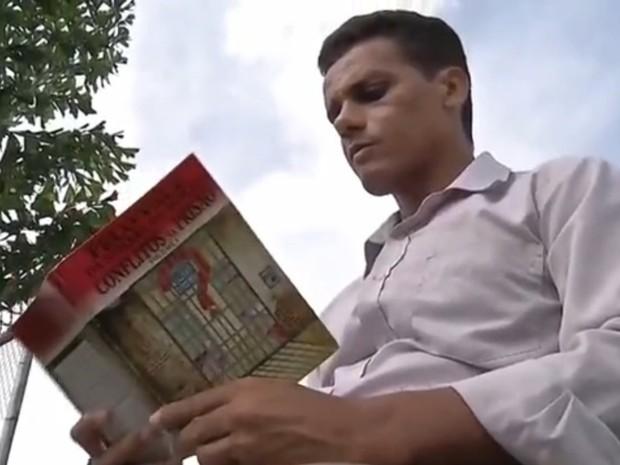 Reginaldo da Silva tem 35 anos e já está preso há 15 anos (Foto: Reprodução/ TVCA)
