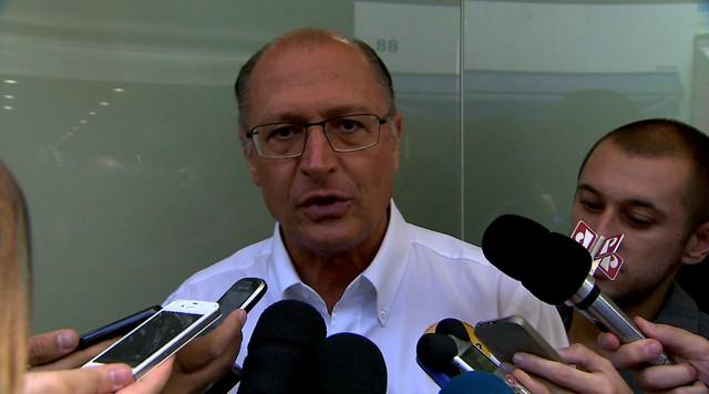 Geraldo Alckmin faz campanha no Largo 13