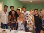 Latino reúne famosos em festa de aniversário