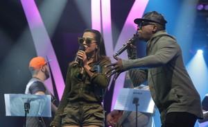 Anitta e Mumuzinho no ensaio do Música Boa Ao Vivo